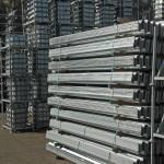 Afstandhouders en planken voor geleiderail