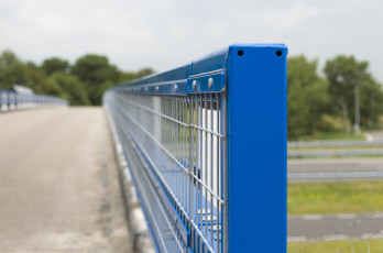 Steel Safety Railing with long mesh