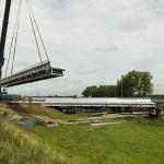 Halve stepbarrier op tijdelijke brug