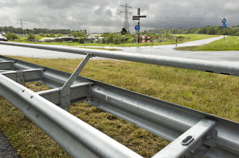 Crash barrier railing constructions